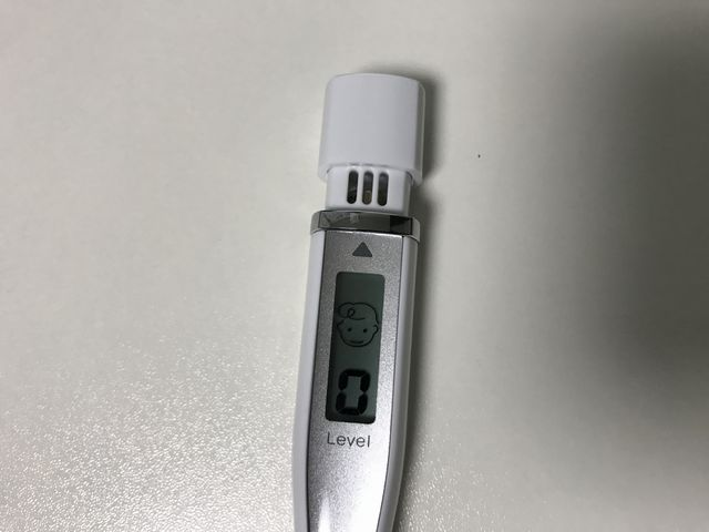 プレミアムブレスクレール使用後の昼前の口臭測定器
