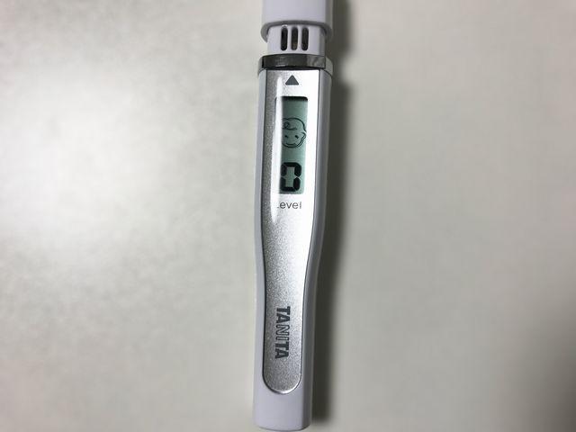 オーラバリア使用後の口臭測定器